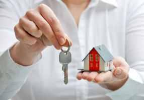 bigstock-House-And-Keys-42686932